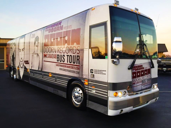 doorn canadian bus tour